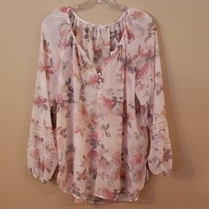 Lauren Conrad blouse size medium